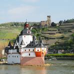 Rheinfahrt. Kaub.